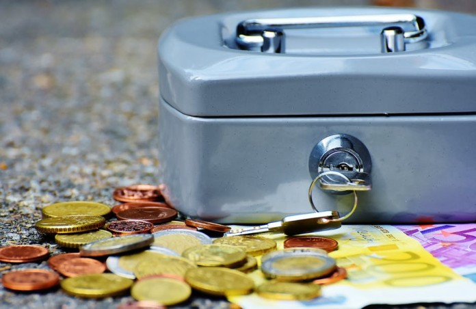 Money-saving tips everyone should know 7 Crucial Money-Saving Ideas to Improve Your Finances save-money