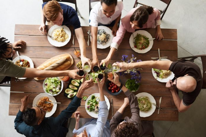 Five Reasons to Eat Out, Outdoors | We have always enjoyed eating out, but we're eating out more than ever before. When you eat out, food delivery small business enterprises