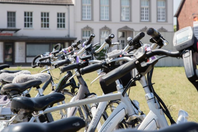 The Best Accessories To Invest In For Your Electric Bicycle