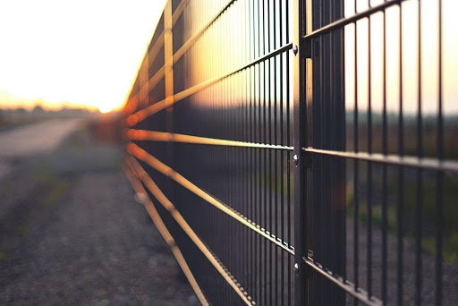 Choosing Commercial Fencing