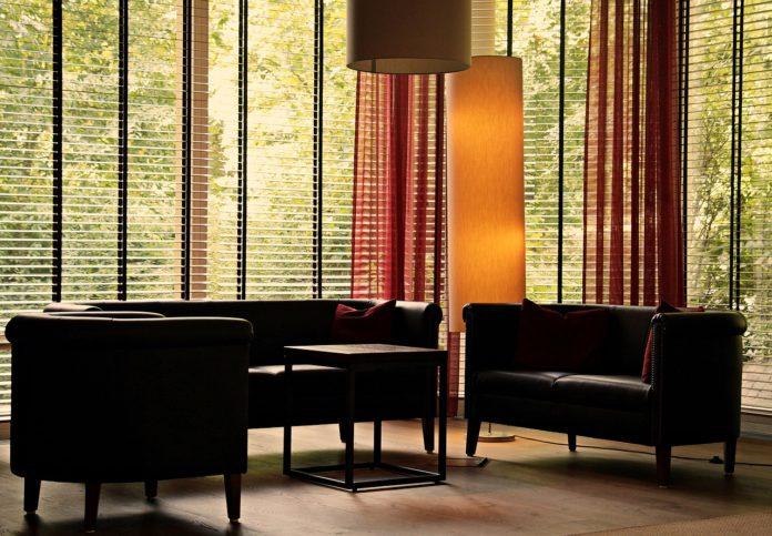 modern venetian blinds