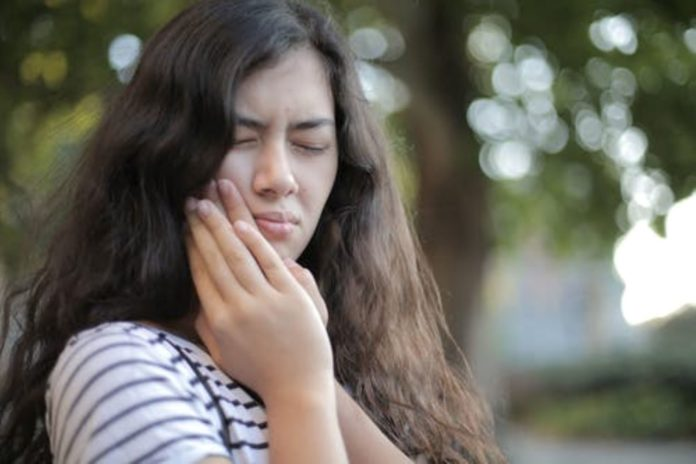 How to Relieve Yourself of Toothache